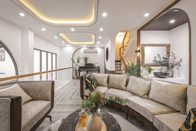 Ngôi nhà có không gian resort trên sân thượng - Ảnh 3.