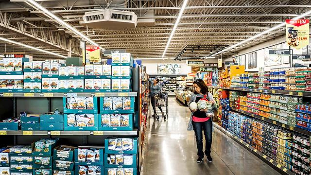 Chi tiêu tiêu dùng tại Mỹ tăng mạnh trong tháng 1/2021 - Ảnh 2.