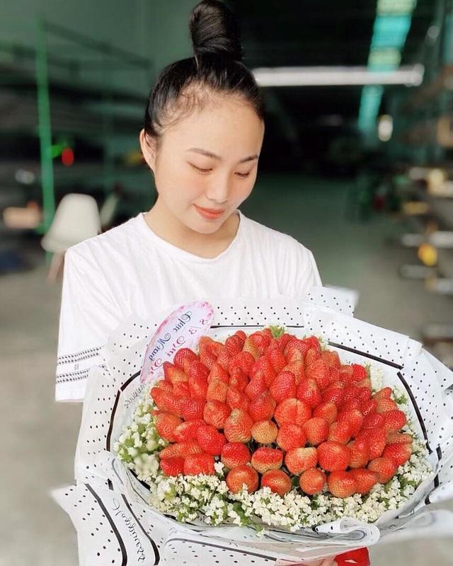 Thời trang Nguyễn Ngọc Diễm gợi ý chiêu mặc đẹp dạo phố - Ảnh 2.