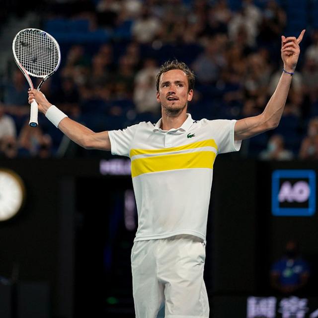 Đánh bại Tsitsipas, Medvedev gặp Djokovic ở chung kết Australia mở rộng 2021 - Ảnh 5.
