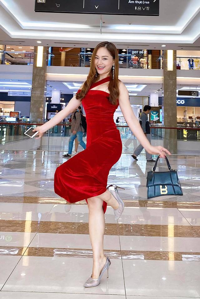 Lan Phương - cô nàng bánh bèo nhất nhì Showbiz Việt? - Ảnh 2.