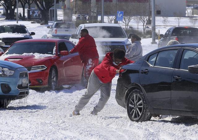 Gần 50 người tử vong do bão tuyết nghiêm trọng tại Mỹ - Ảnh 1.