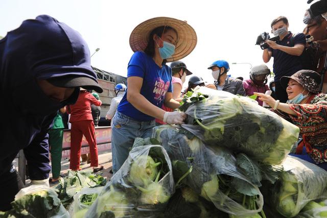 """Cộng đồng nhiệt tình chung tay """"giải cứu"""" nông sản Hải Dương - Ảnh 2."""
