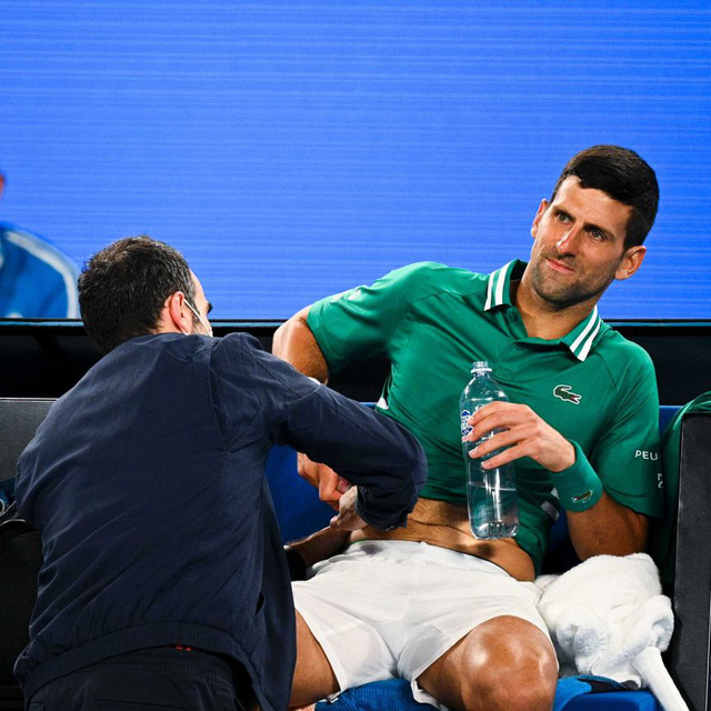 Djokovic đã nén đau trong suốt hành trình tại Australia mở rộng - Ảnh 1.