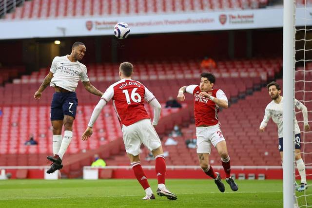 Arsenal 0-1 Man City: Sterling lập công, Man City thắng trận thứ 13 liên tiếp - Ảnh 1.