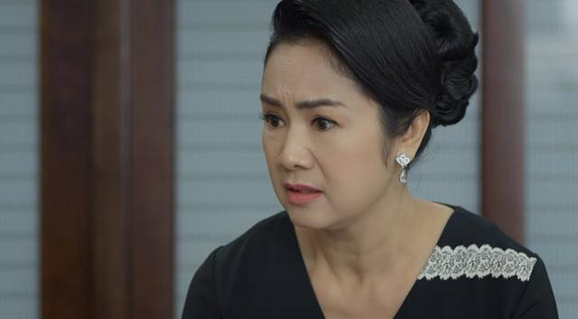 Hướng dương ngược nắng - Tập 31: Bà Bạch Cúc kêu công ty hết tiền, ông Phan bỏ luôn tiền túi ra cho Minh làm - Ảnh 2.