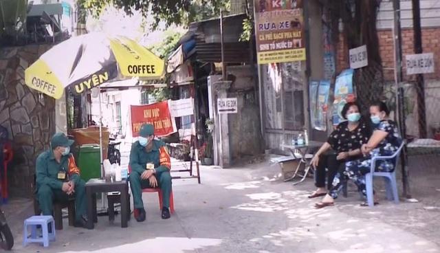 Dịch COVID-19: TP Hồ Chí Minh chỉ còn 2 điểm bị phong tỏa - Ảnh 1.