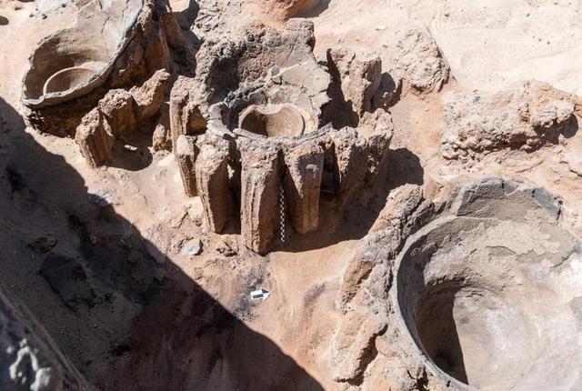 Phát hiện nhà máy bia hơn 5000 tuổi ở Ai Cập - Ảnh 1.