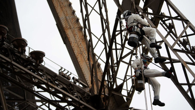 Tháp Eiffel sẽ thay áo toàn bộ với màu sơn mới - ảnh 3