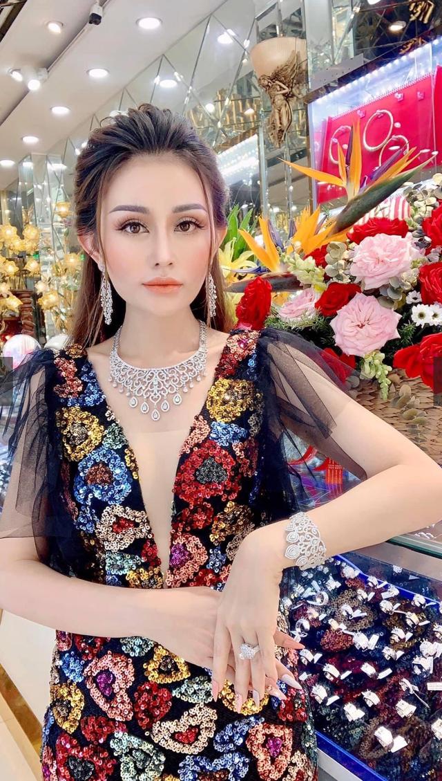 Doanh nhân Lê Quỳnh Trang: Yêu bản thân, phụ nữ ắt sẽ đẹp - Ảnh 1.