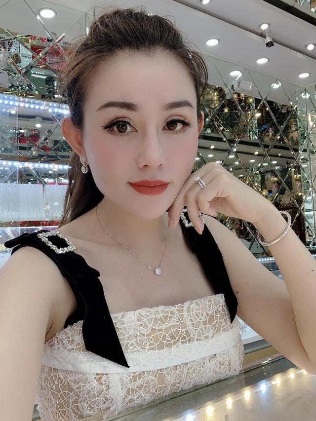 Doanh nhân Lê Quỳnh Trang: Yêu bản thân, phụ nữ ắt sẽ đẹp - Ảnh 2.