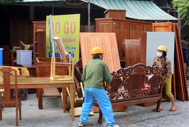 Thái Bình: Hỏa hoạn thiêu rụi một cơ sở sản xuất nệm sofa - Ảnh 1.
