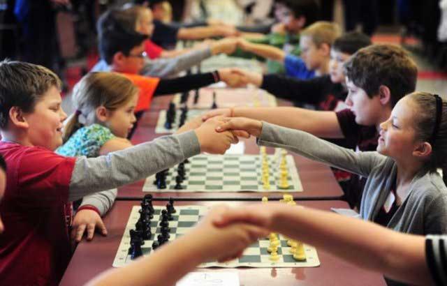 Từ bàn cờ đến cuộc sống: Cách cờ vua giúp trẻ em dám chấp nhận rủi ro - Ảnh 2.