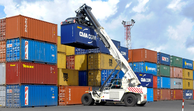 Cước vận tải biển tăng 4 lần, doanh nghiệp xuất khẩu chật vật ứng phó - Ảnh 1.