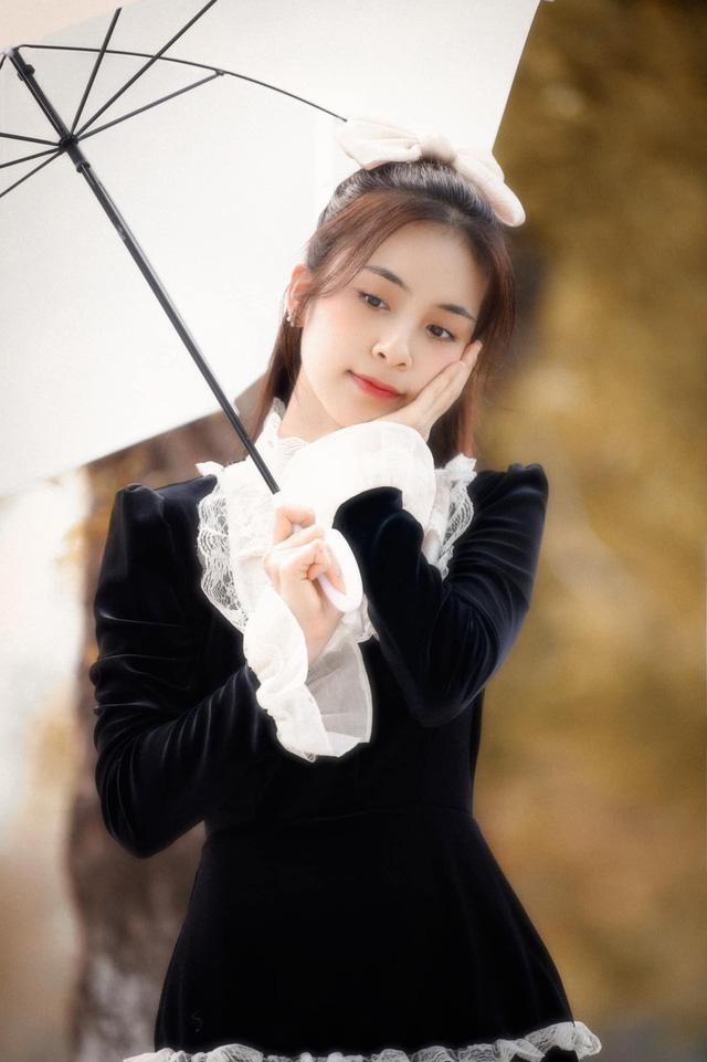 Trần Vân hóa tiểu thư ngọt ngào trong bộ ảnh mới - Ảnh 1.