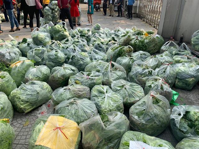 Giải cứu hơn 20 tấn nông sản tại điểm Đài THVN - Ảnh 2.