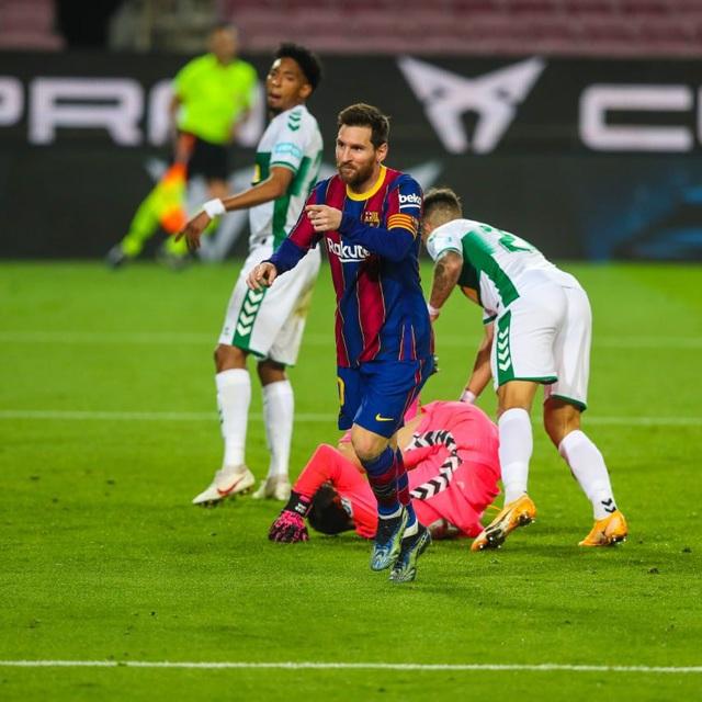 Cuộc đua chiếc giày vàng châu Âu: Lewandowski dẫn đầu, Messi đuổi kịp CR7 - Ảnh 1.