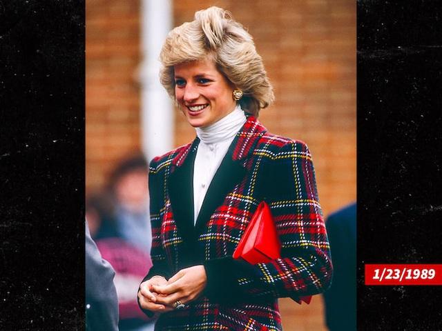 Lộ bức ảnh đầu tiên của Kristen Stewart trong vai cố công nương Diana - Ảnh 1.