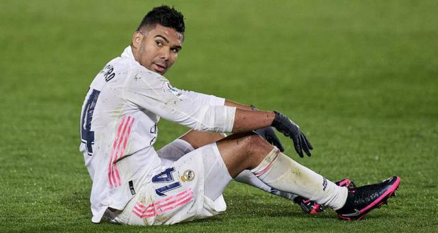 Real Madrid xem xét kháng cáo thẻ vàng của Casemiro - Ảnh 1.
