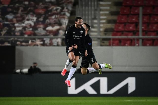 Arsenal 3-2 Benfica: Rượt đuổi nghẹt thở, thắng lợi cảm xúc! - Ảnh 2.