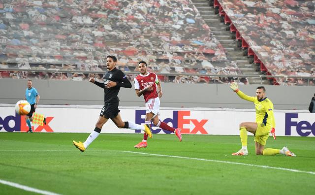 Arsenal 3-2 Benfica: Rượt đuổi nghẹt thở, thắng lợi cảm xúc! - Ảnh 1.