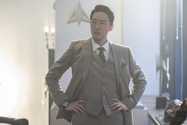 Penthouse 2: Ác nữ Cheon Seo Jin và Joo Dan Tae trở mặt - Ảnh 3.