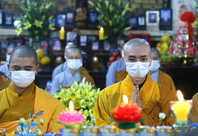 Cảnh tượng chưa từng có tại lễ cầu an chùa Phúc Khánh - Ảnh 3.