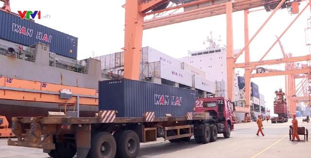 Hải Phòng dừng các chốt kiểm soát, đảm bảo lưu thông hàng hóa - Ảnh 1.