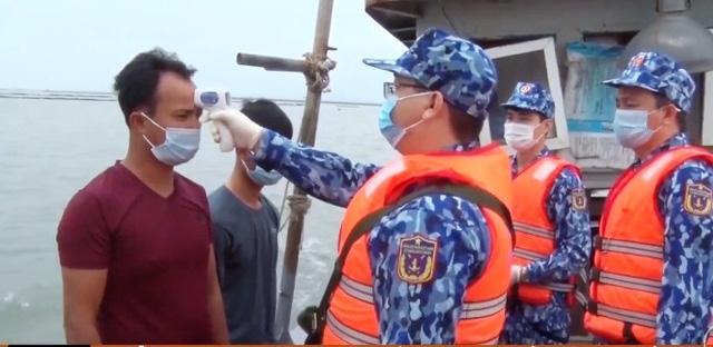 Dịch COVID-19: Ngăn ngừa ngư dân tiếp xúc tàu nước ngoài - Ảnh 1.