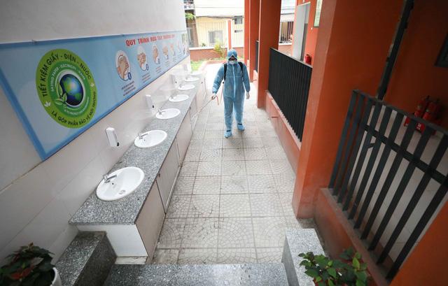 Trường học ở Hà Nội chuẩn bị đón học sinh trở lại trong trạng thái bình thường mới - Ảnh 9.