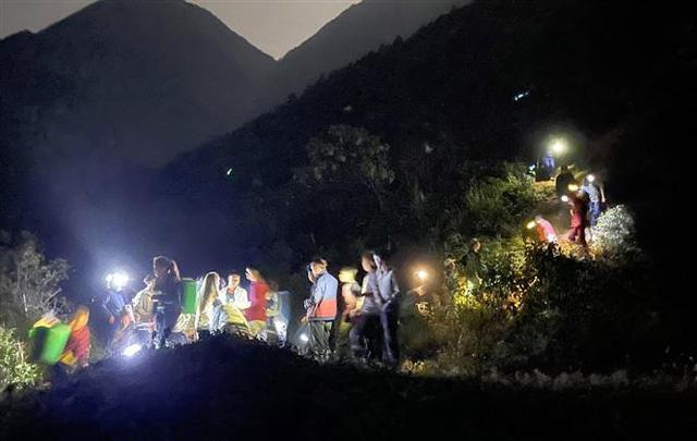 Vụ cháy rừng tại huyện Tam Đường - Lai Châu: Lửa bùng trở lại và lan rộng - Ảnh 3.