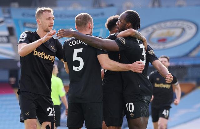 Man City 2-1 West Ham: John Stones sắm vai người hùng - Ảnh 2.