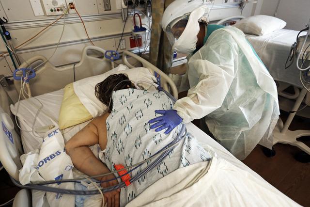 Biến chủng mới tại California tăng nguy cơ tử vong ở người mắc lên 11 lần - Ảnh 1.