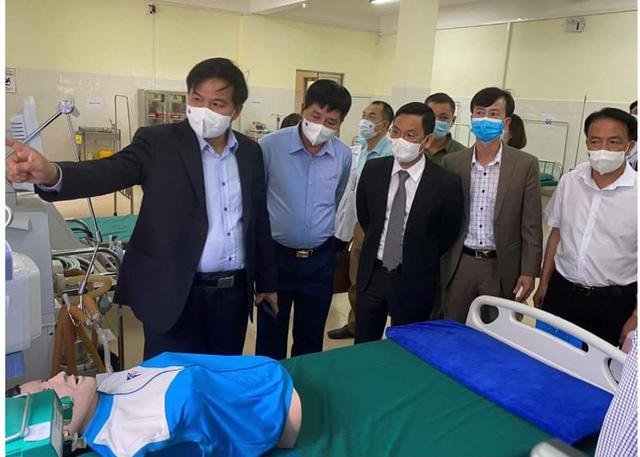 Bàn giao, đưa vào hoạt động Bệnh viện dã chiến Điện Biên Phủ phục vụ điều trị COVID-19 - Ảnh 1.