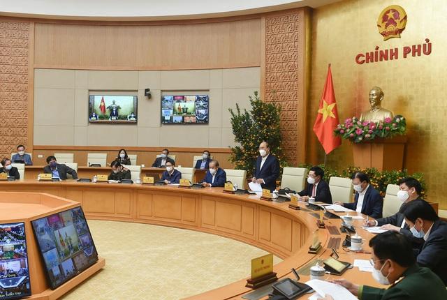 Thủ tướng: Các tỉnh, thành phố có ổ dịch COVID-19 được áp dụng biện pháp mạnh - Ảnh 1.