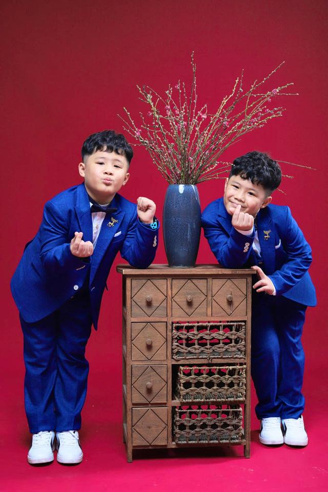 MC Hoàng Linh khoe bộ ảnh Tết bên đại gia đình - Ảnh 6.