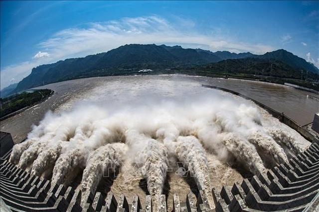 Luật Bảo vệ sông Dương Tử chính thức có hiệu lực - Ảnh 1.