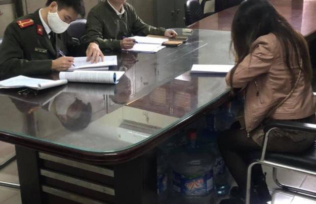 Hà Nội: Xử lý 2 phụ nữ tung tin hơn 100 ca nhiễm COVID-19 tại Gia Lâm - Ảnh 1.