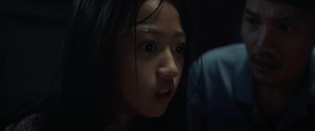 Hé lộ phân cảnh đầu tiên đầy rùng rợn trong phim Bóng đè - Ảnh 1.