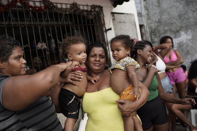 Hơn 120,3 triệu người mắc COVID-19 trên toàn cầu, Brazil vượt Ấn Độ thành tâm dịch lớn thứ 2 thế giới - Ảnh 1.
