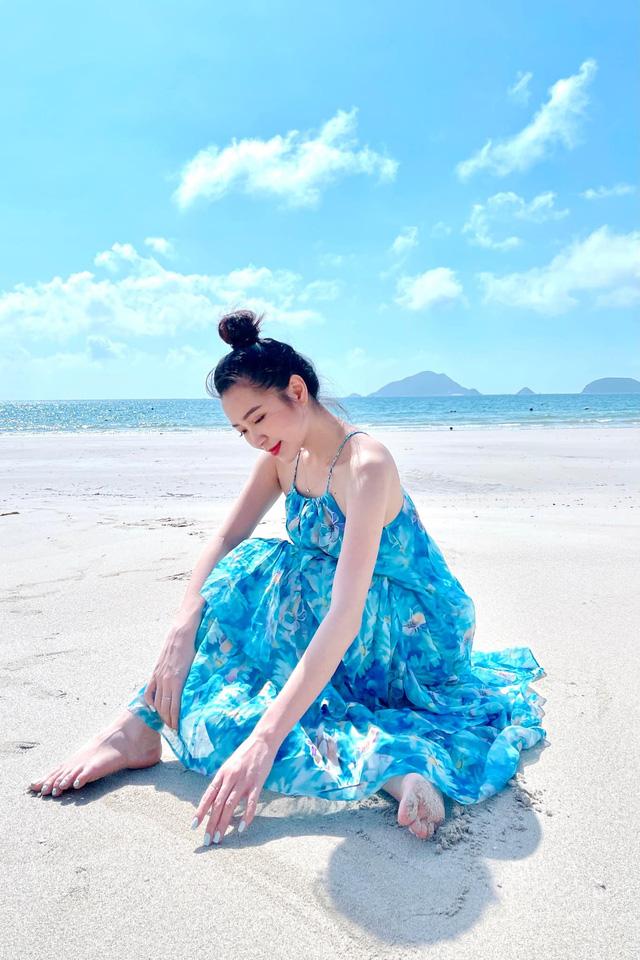 Chưa hè mà Kim Oanh đã diện bikini khoe thân hình nuột nà - Ảnh 1.