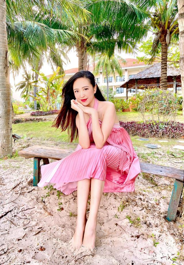 Chưa hè mà Kim Oanh đã diện bikini khoe thân hình nuột nà - Ảnh 2.