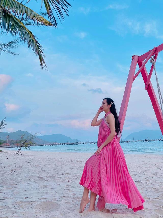Chưa hè mà Kim Oanh đã diện bikini khoe thân hình nuột nà - Ảnh 4.