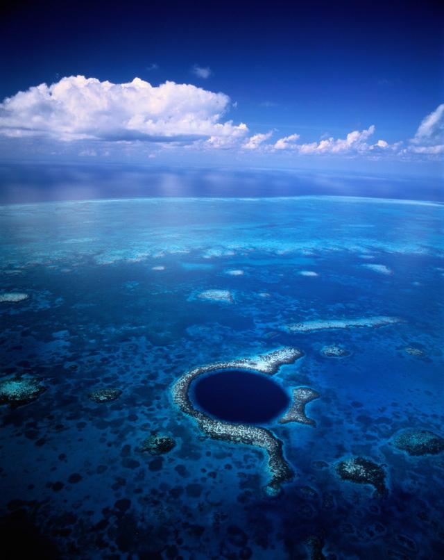 """Chiêm ngưỡng """"Hố xanh khổng lồ"""", một trong những bí ẩn lộng lẫy nhất thế giới - ảnh 4"""