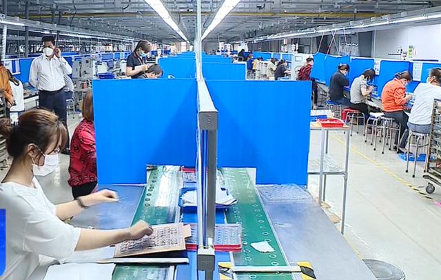 Hơn 600 công nhân Công ty Poyun (Hải Dương) được đi làm trở lại - Ảnh 1.