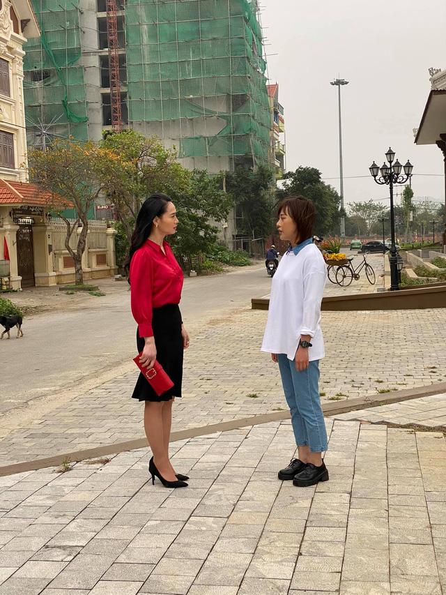 Quách Thu Phương trẻ trung bất ngờ trong hậu trường Hương vị tình thân - Ảnh 5.