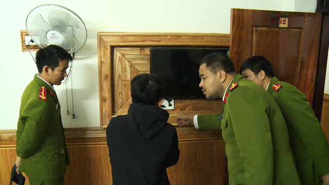 Cảnh báo chiêu bẩn: Thuê phòng nghỉ, quay trộm, tống tiền các cặp đôi bằng clip sex - Ảnh 1.