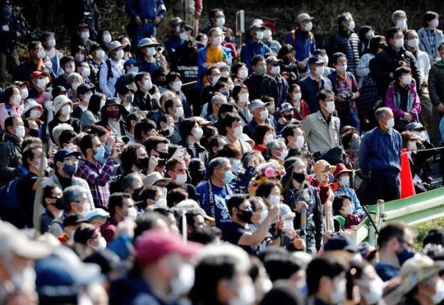 Kỳ lạ, lễ hội đi chân trần qua than cháy để cầu bình an ở Nhật Bản - ảnh 6