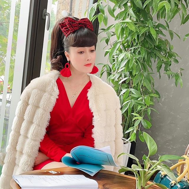 Hồng Diễm ngượng như sinh nhật tuổi 20, Bảo Thanh khoe bầu tháng cuối - Ảnh 4.
