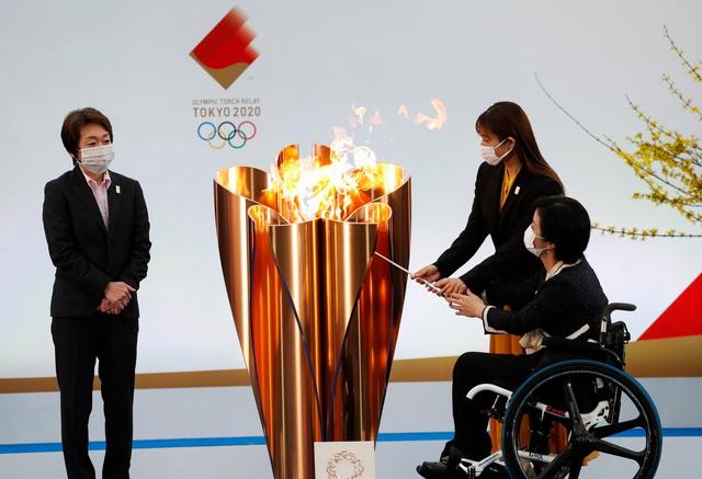 Nhật Bản: Bắt đầu lễ rước đuốc Olympic Tokyo 2020 tại Fukushima - Ảnh 1.